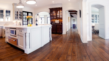 hardwood-floor-refinishing-Roberts-Flooring-Services