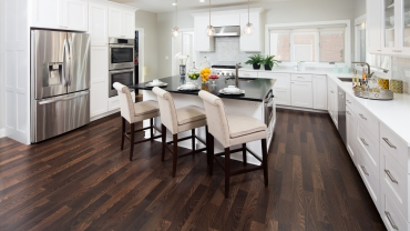 hardwood-floor-refinishing-service-Roberts-Flooring